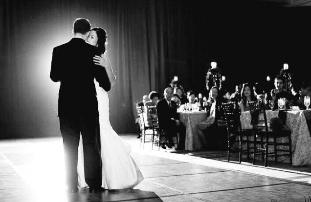 sweet-couple-dancing-use